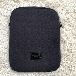 MICHAEL KORS•iPad/tablet protective case EUC